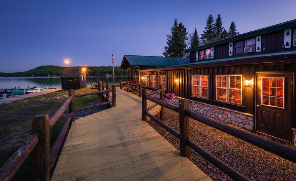 Vacation Cabin Rentals on Back Lake at Tall Timber Lodge